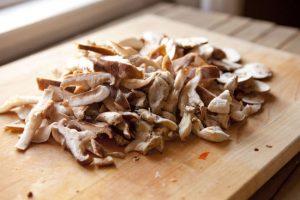 Chop Mushrooms for Farr Better Recipes®